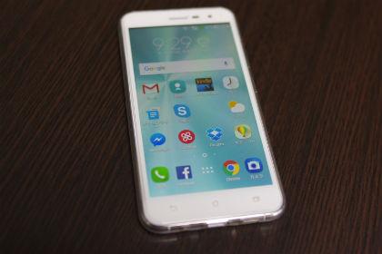 Zenfone3 国内版 パールホワイト