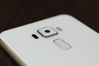 Zenfone3 背面カメラ
